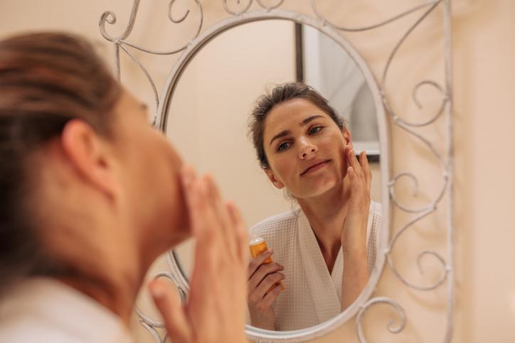 Saiba a importância de ter uma rotina de cuidados com a pele