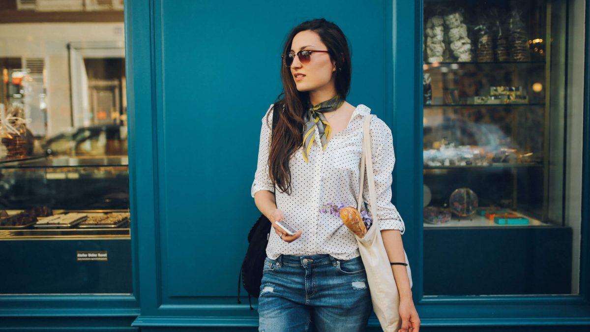 Como usar camisa feminina: 4 dicas para seus looks